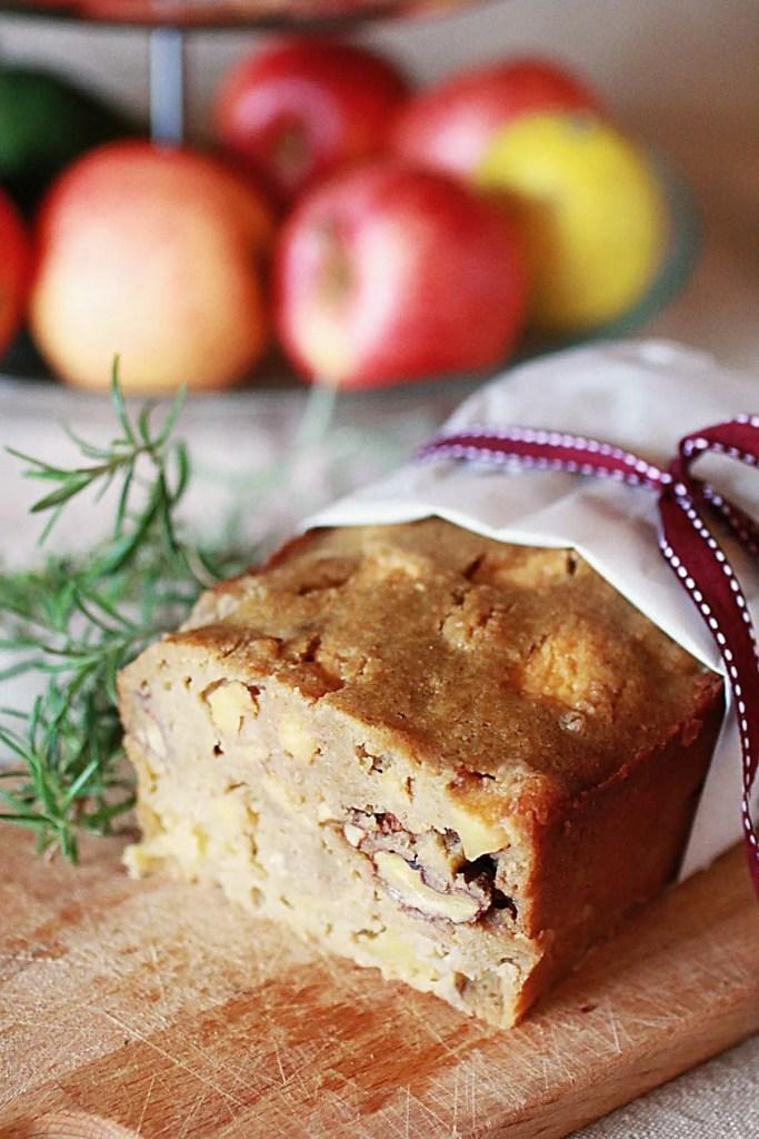 Pan di Mele Dolce Senza Glutine con Noci e Rosmarino