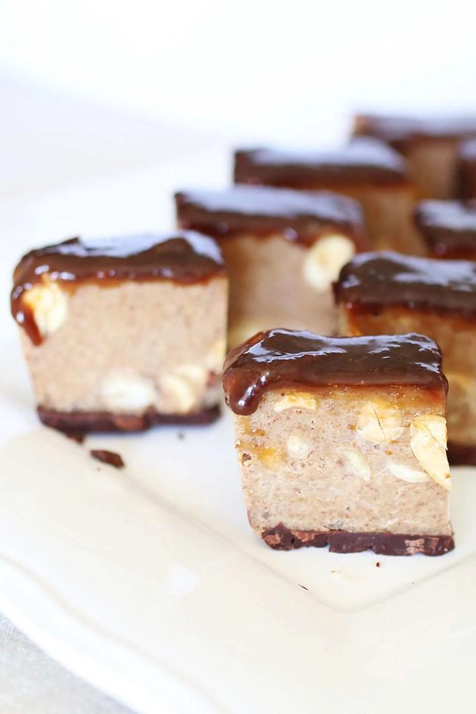 Quadrotti al Caramello e Cioccolato con Arachidi Salate Senza Cottura