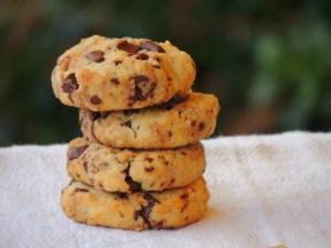 Biscotti con Farina di Mandorle e Gocce di Cioccolato Senza zucchero