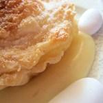 Tartelletta con amaretto su crema alla vaniglia…..e zucchero di confetto!