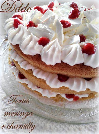 Torta nuda con meringa,crema chantilly e fragoline