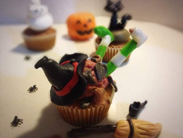 Halloween cupcake strega