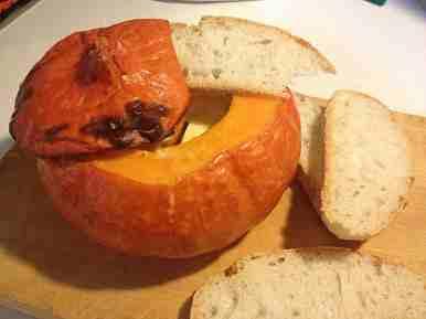Zucca con fette di pane