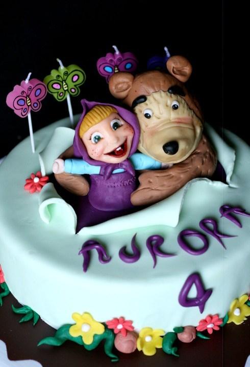 Masha e Orso e la torta di compleanno di Aurora