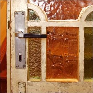 Historische Tür aufarbeiten und abdichten