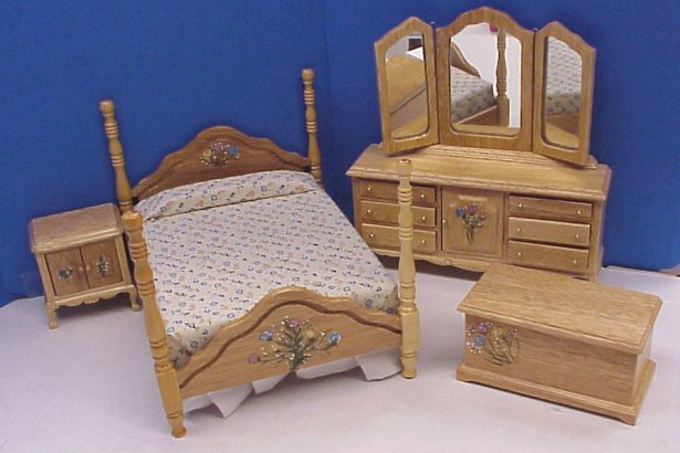 Dollhouse Hand Painted Bedroom Furniture in 1 Scale from