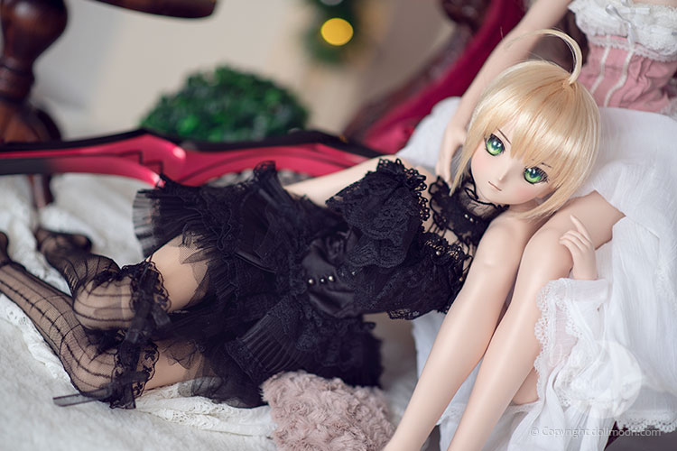 Your body language can tell much about you. So it does for your doll.