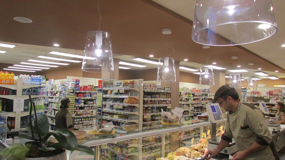 Illuminazione LED commerciale negozio alimentari