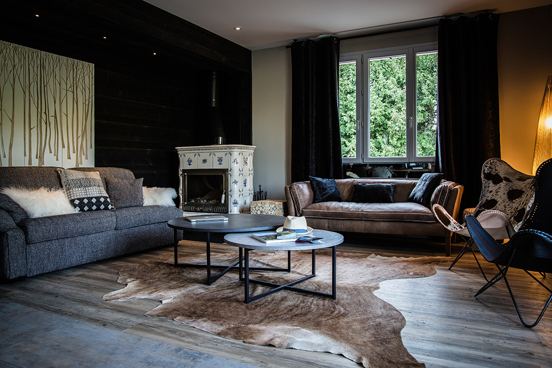 A Relaxing, Designer Living Space