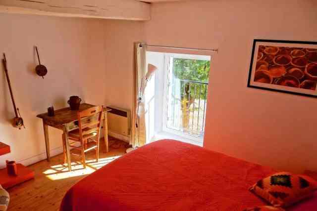 chambre orange gite autour de Bourges