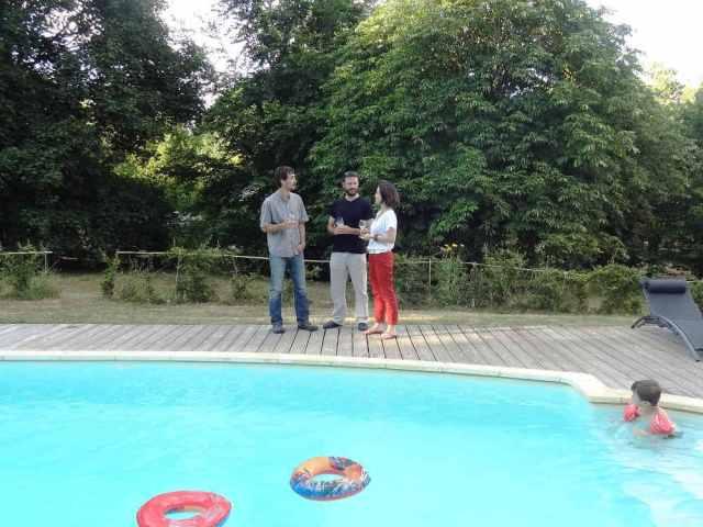 apéritif à la piscine