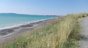 Nuda pláž kousek před lázněmi