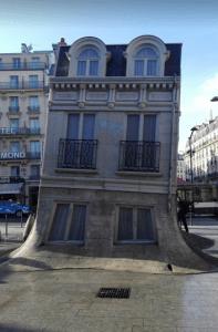 domeček před nádražím Gare du Nord