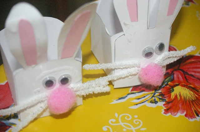 Easy kindy teacher easter gifts bunny baskets domesblissity bs kindergarten is the best e went there before she started school and i cant talk highly enough about it it reminds me of the type of kindy i went to negle Image collections