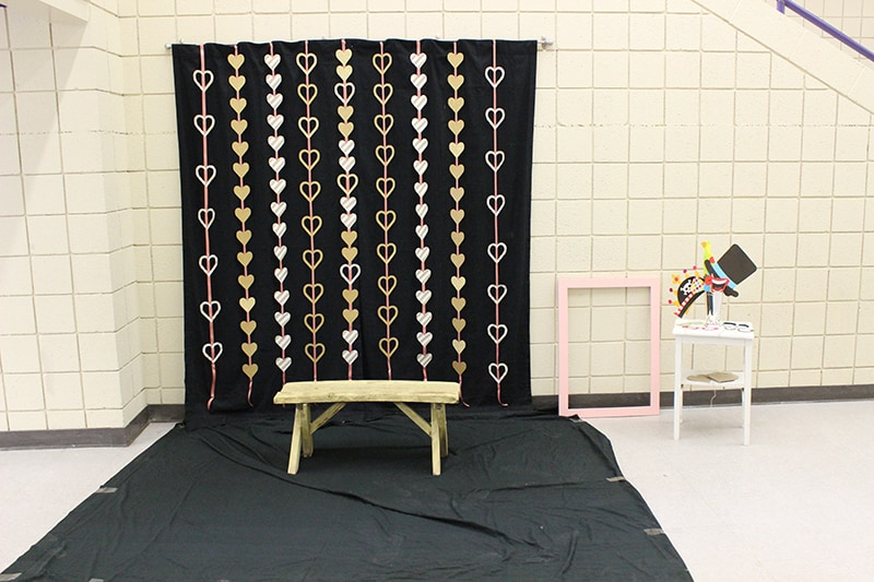 Valentines Day Worthy Photo Booth Backdrops And Props