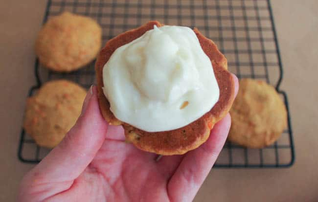 Carrot-cake-whoopie-pies-with-maple-cream-cheese-frosting-step-13