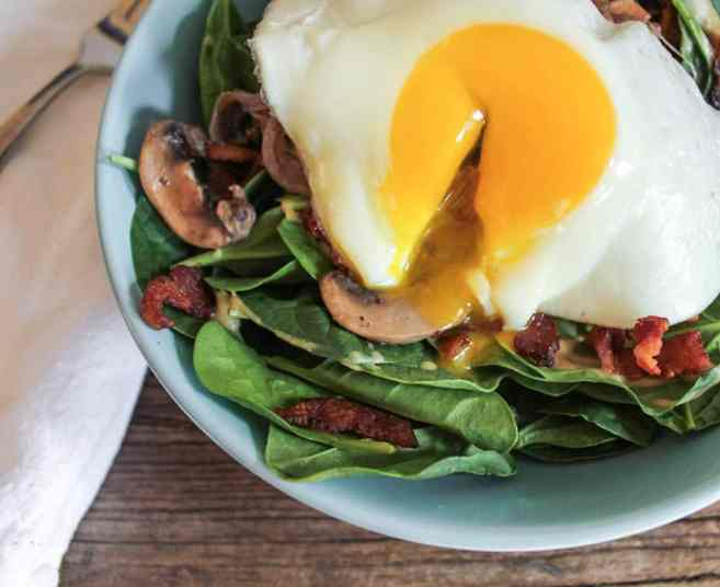 warm-spinach-salad-with-bacon-vinaigrette-and-a-fried-egg-4-3