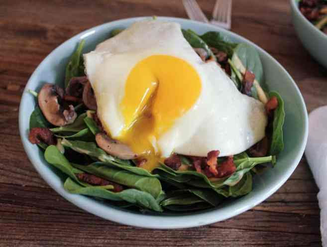warm-spinach-salad-with-bacon-vinaigrette-and-a-fried-egg-5-4