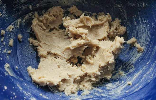peppermint-chocolate-chip-blondie-bites-step-2