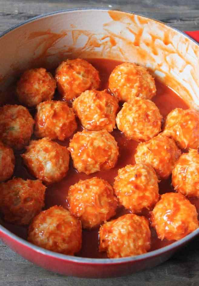 mozzarella-cheese-stuffed-buffalo-chicken-meatball-sliders-step-11
