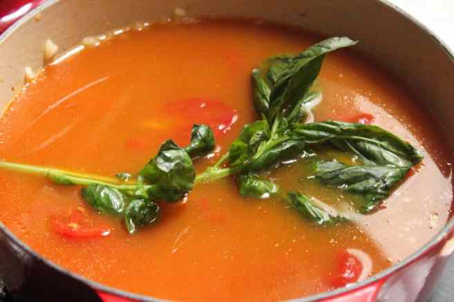 the-best-vegan-roasted-tomato-basil-soup-step-9