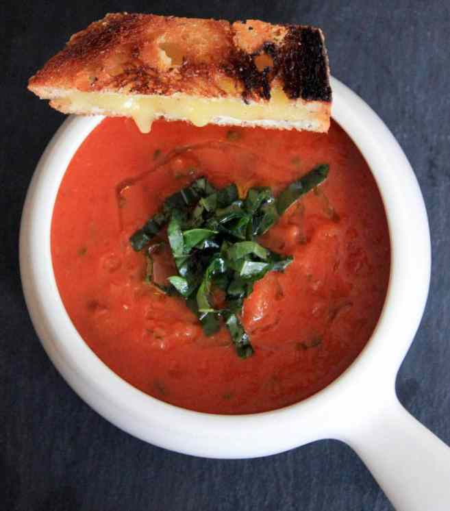 the-best-vegan-roasted-tomato-basil-soup