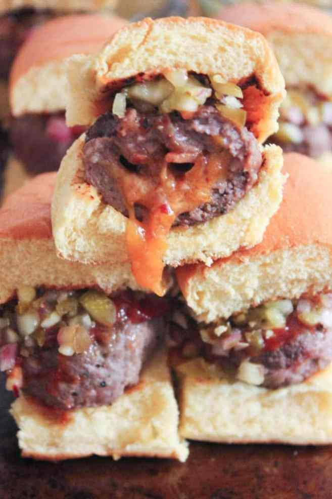 Bacon-and-smoked-cheddar-stuffed-cheeseburger-sliders-with-jalapeno-relish-7