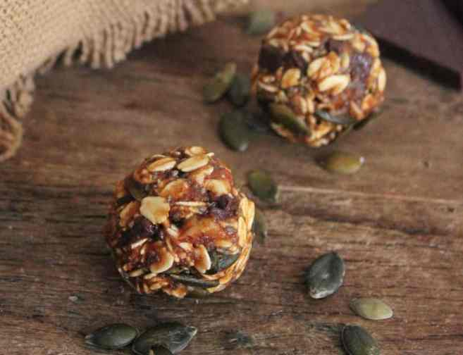 No-Bake-Pumpkin-Pie-Energy-Bites-Vegan-Gluten-Free-8