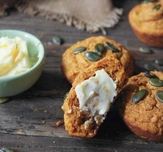 Pumpkin-Sour-Cream-Muffins-6