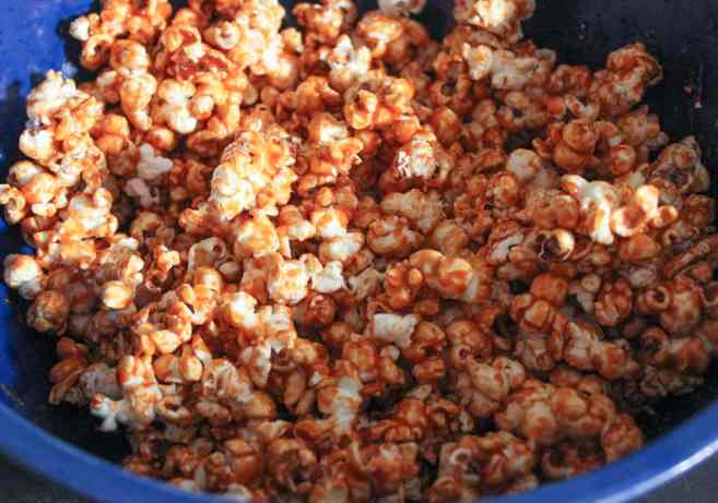 Sriracha-Caramel-Popcorn-step-5
