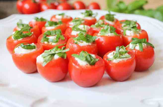 caprese-bites-with-honey-balsamic-7