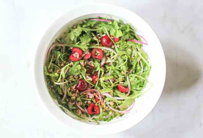 Arugula-and-Farro-Salad-with-Cherries-and-Goat-Cheese-step-4