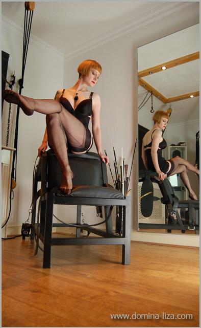English Mistress Lizas Femdom Photo Gallery