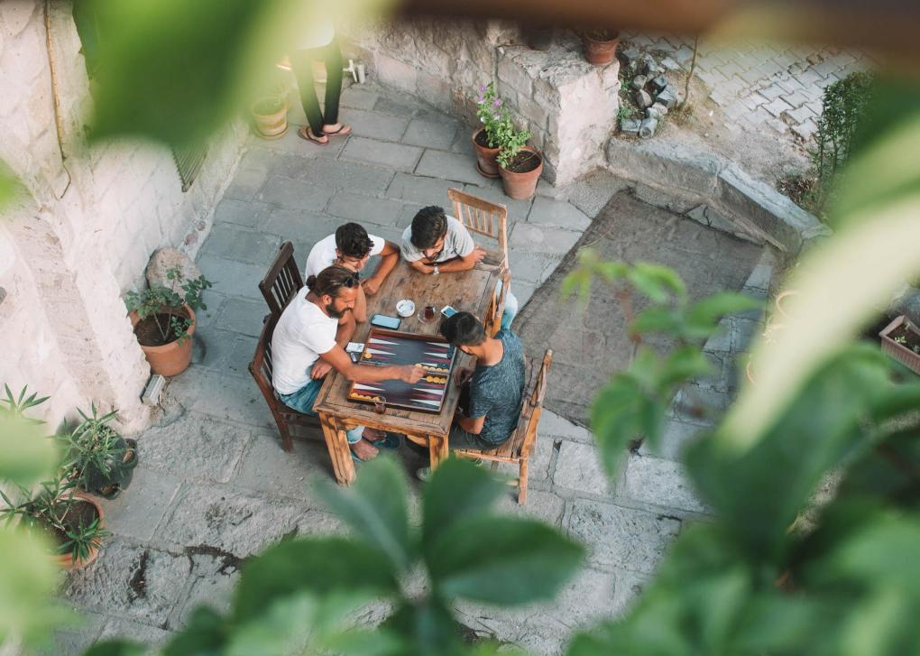 turkish culture backgammon tea men