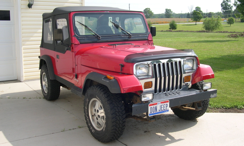1992 Jeep YJ (CC BY-SA 3.0 by Wikimedia user)