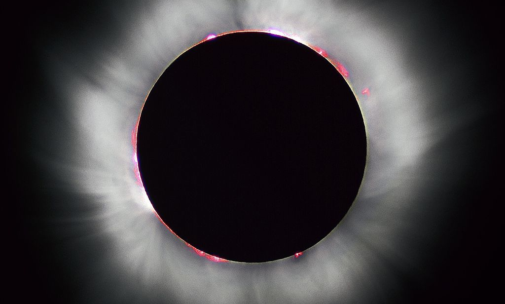Image: Luc Viatour, Total Solar Eclipse 1999 in France.