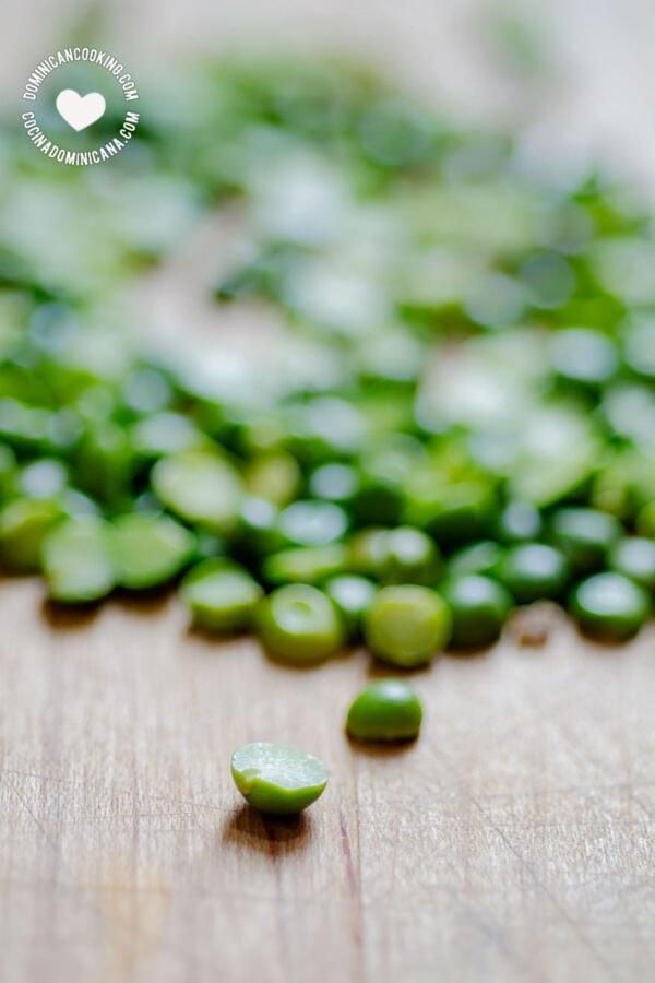 Super-Easy and Tasty Green Split Pea Soup Recipe