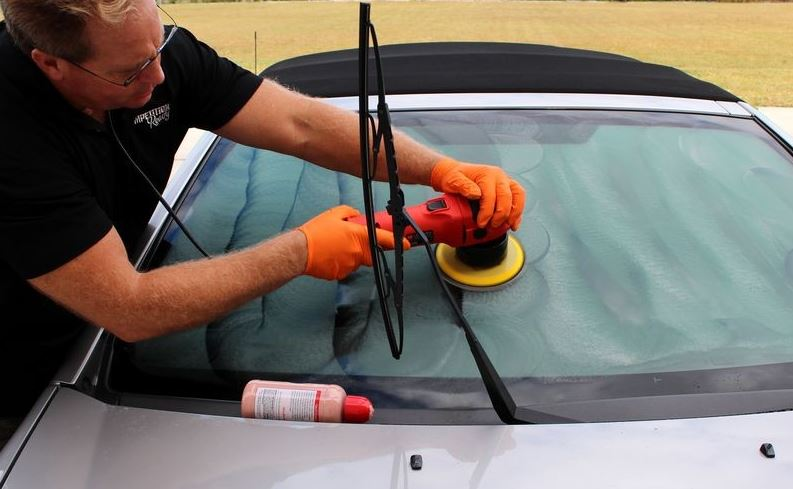 car windscreen polishing