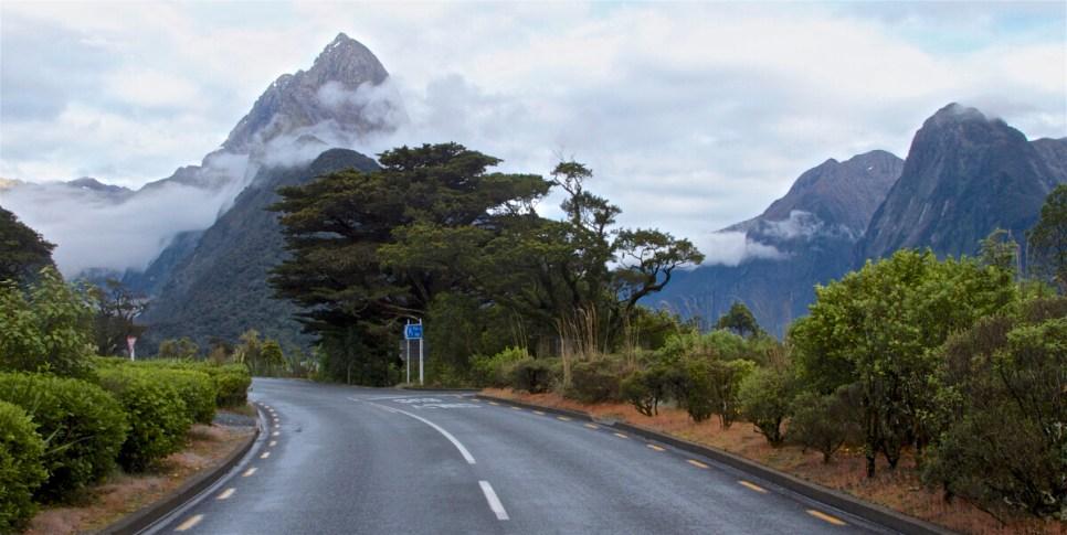 Milford-Sound-NewZealand-DomOnTheGo 41new