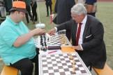 Bezirksvorsteher Ernst Nevrivy bei einer Blitzschachpartie beim Schachclub Donaustadt http://www.s-c-d.at/