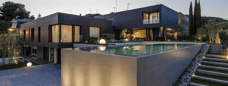 As es la casa que Neymar le compr a Ronaldinho para ser