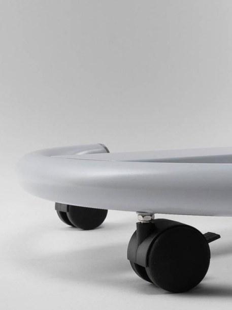 Pizarra con ruedas detalle de las ruedas modelo Vario II