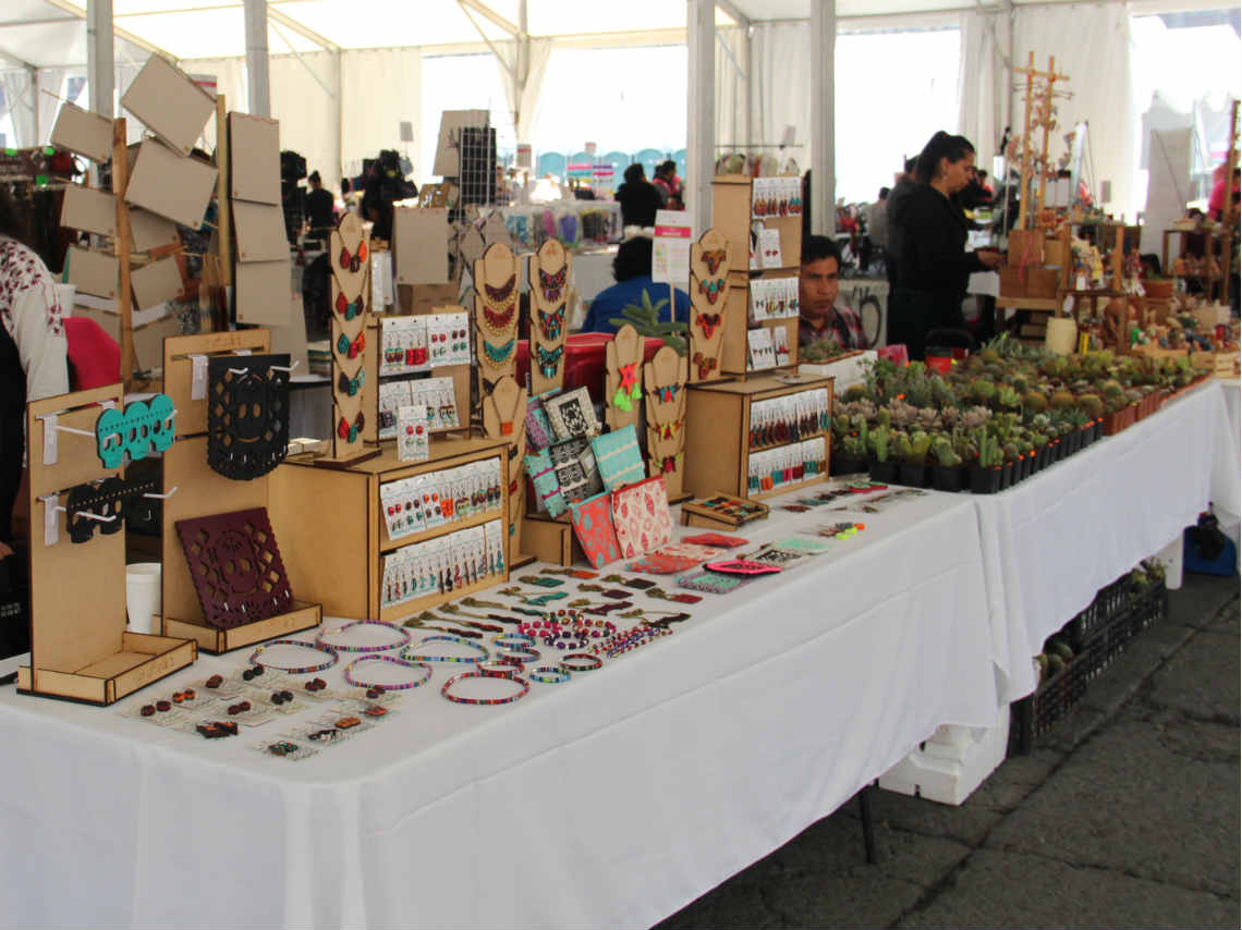Feria de artesan as en el z calo de la ciudad de m xico for Feria de artesanias 2016
