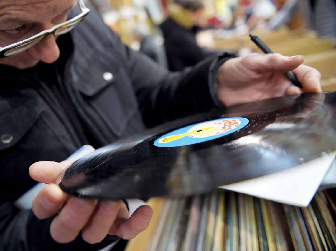 bazar-del-vinil-y-el-cassette-en-el-centro-historico-80-90-01