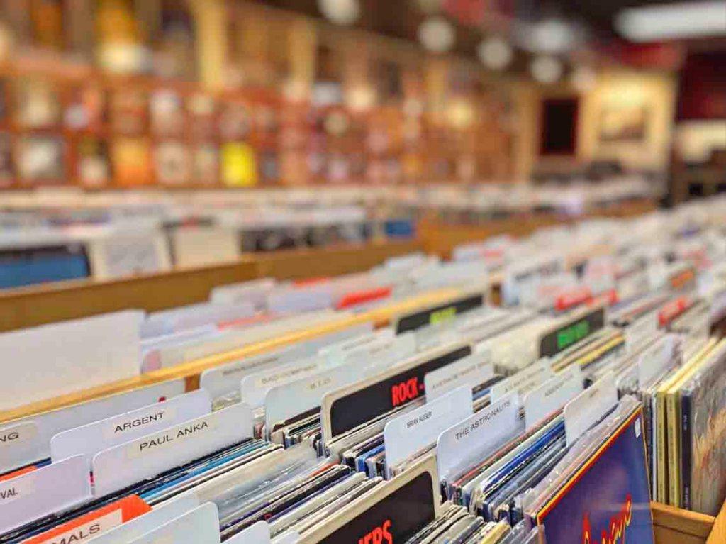 Tiendas de discos de vinil en CDMX Estrenos clasicos importados 03