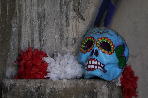 Entre-petates,-vasijas-y-monjas-coronadas-en-San-Juan-05