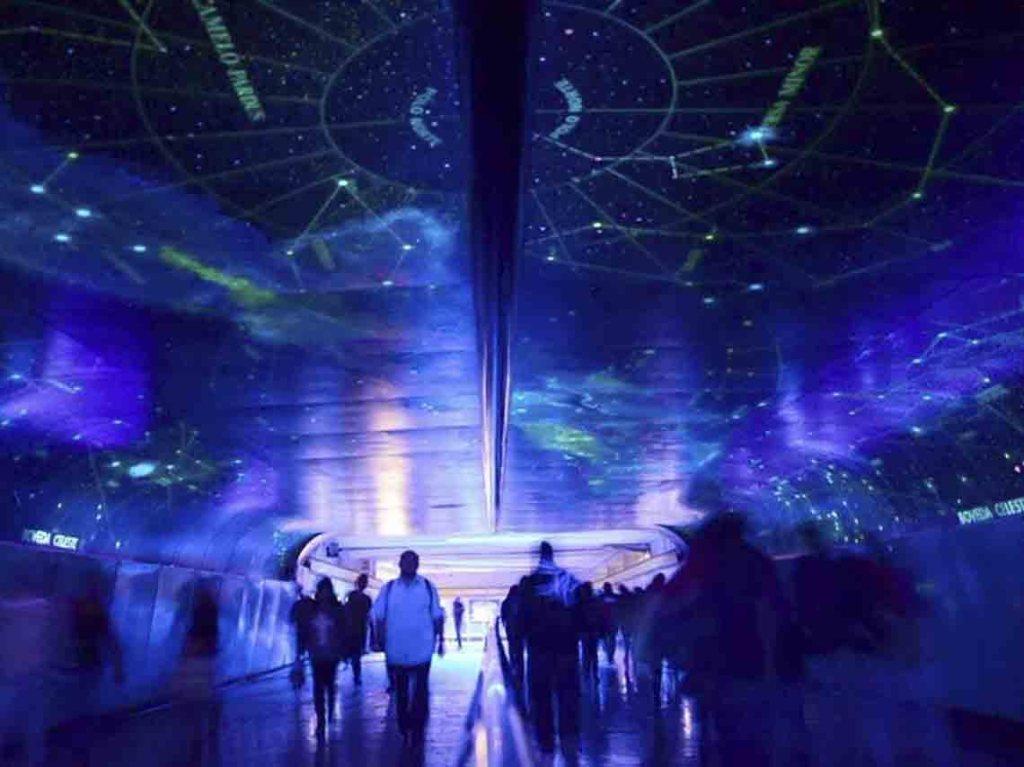 Túnel de la Ciencia Metro La Raza