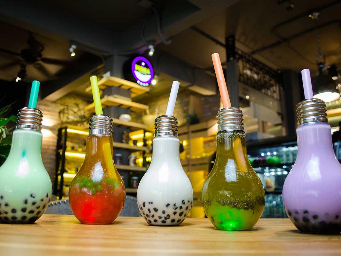 Bubba Tea t servido en focos de colores que encienden  Dnde Ir