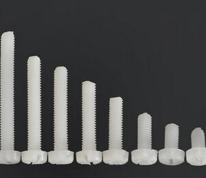 10 Pezzi M3*30 Viti in Nylon