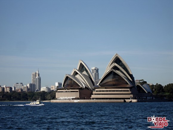 Ópera de Sydney desde el agua